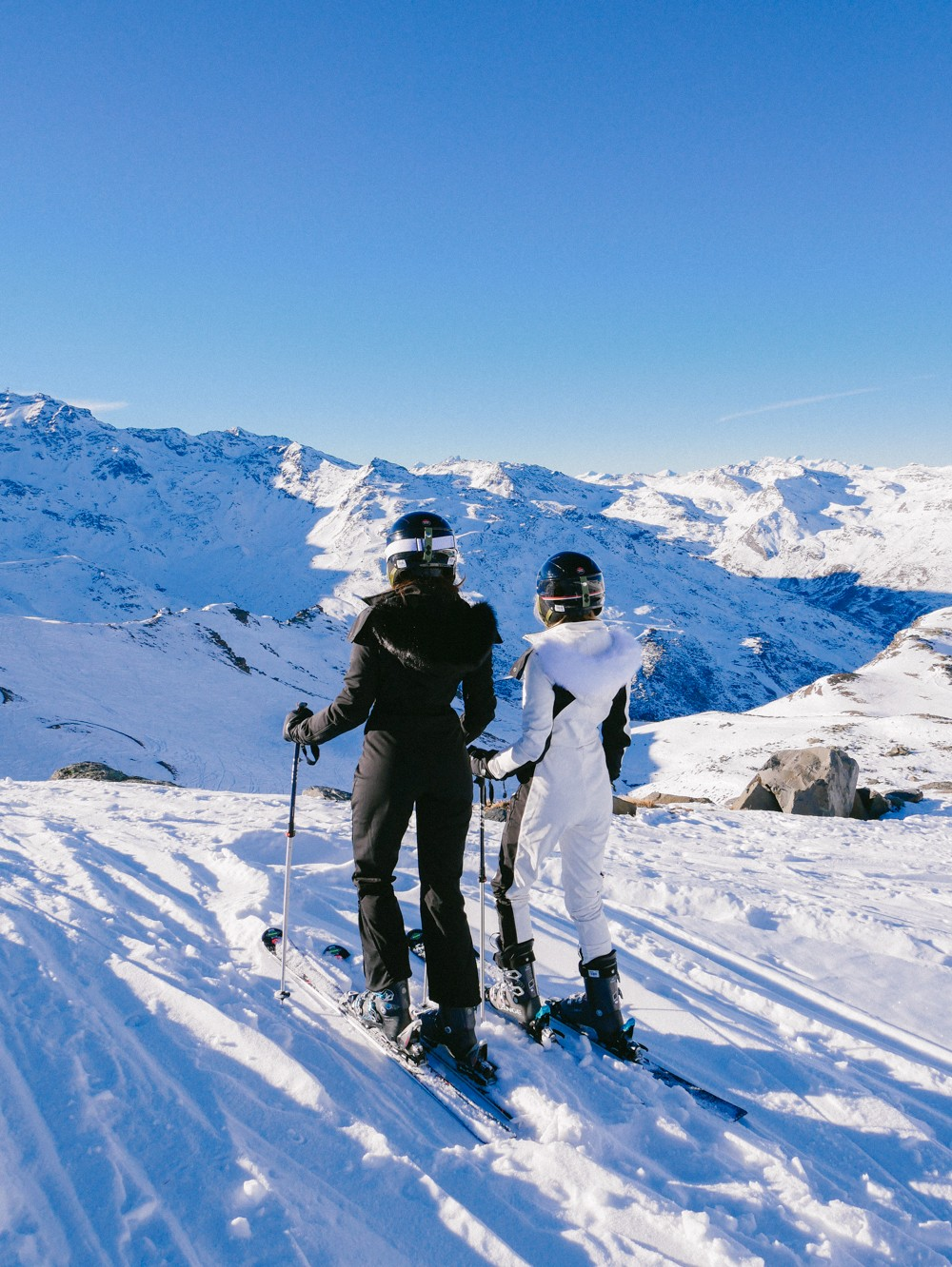 guide to skiing in france in december